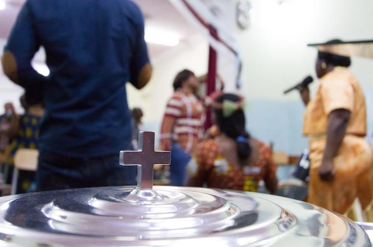 Nella foto: momento di celebrazione in una delle chiese libiche formate da cristiani dell'Africa subsahariana